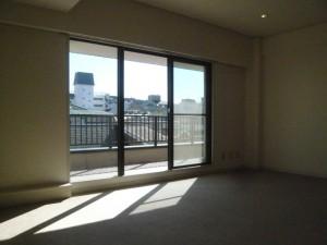 青山ロイヤルフラット402号室 (1)